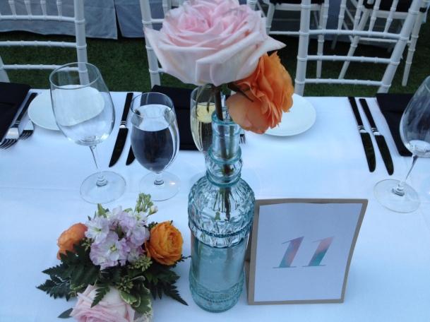 table setting - https://itsjoulife.wordpress.com/2013/03/19/palm-springs-wedding/