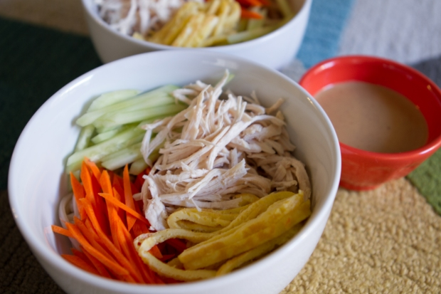 { recipe } summer favorite eats | easy peanut noodles via itsjoulife - https://itsjoulife.wordpress.com/2014/08/24/recipe-summer-…peanut-noodles/ 